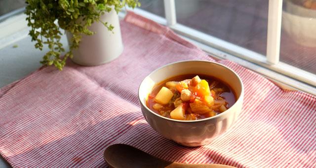 寒い夜にぴったり!炊飯器で作る優しい味のミネストローネ