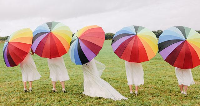 雨の日にこそ彩りを。かわいいデザインの傘 3選!